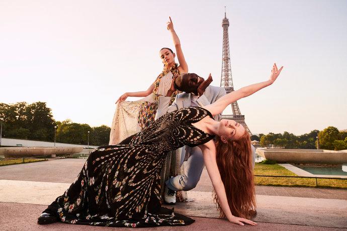 Givenchy Liberty @ BETC étoile rouge par Nicolas Prado